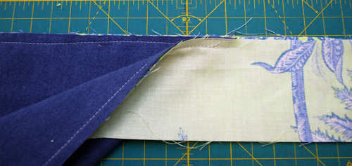 How to Sew an Airplane Pillow Cover