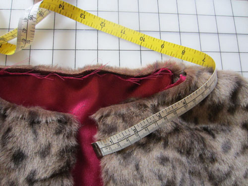 measure neckline