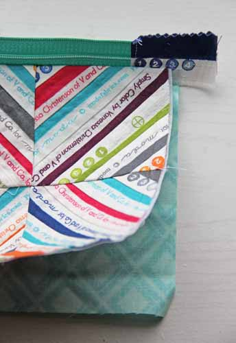 Zipped Up Selvage Pouch Free Tutorial