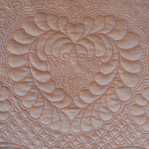 Renae Allen - Quartro Decennie - heart detail