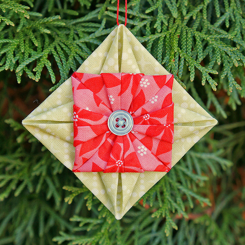 Folded Fabric Christmas Tree: WeAllSew For The Holidays: DIY Festive Ornaments And