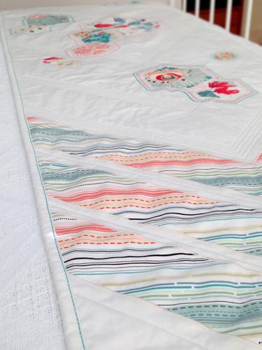 Arrows & Hexies Bed Runner - binding