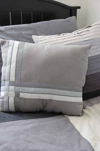 How to Make a Bias Tape Throw Pillow