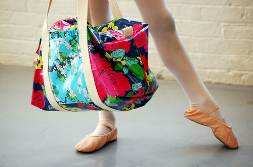 Ruffle Duffle Bag - DIY
