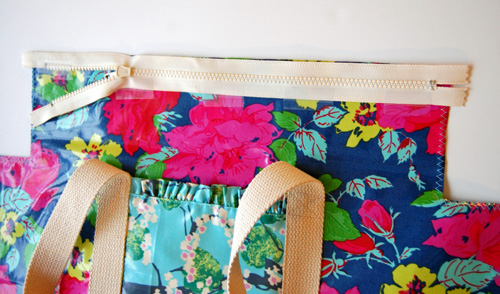 How to Make a Ruffle Duffle Bag