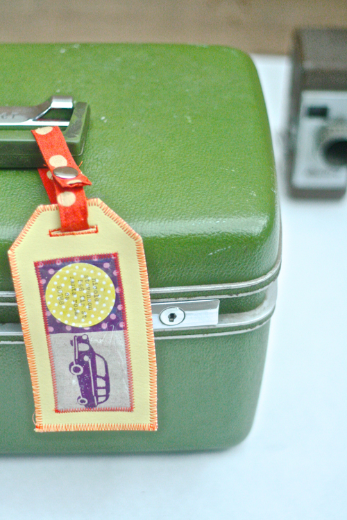 Luggage Tag by Nicole - free tutorial