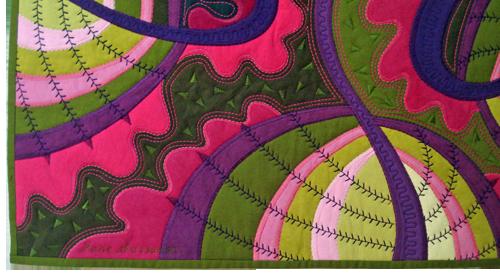 http://weallsew.com/wp-content/uploads/sites/4/2014/05/Jane-Sassaman-featherstitch-detail-2.png