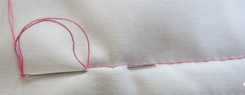 http://weallsew.com/wp-content/uploads/sites/4/2014/05/Securing-Quilting-Stitches-burying-the-tails.jpg