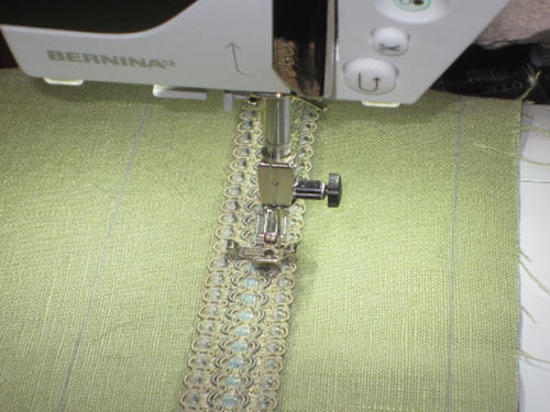 Zipper Foot with Guide #14