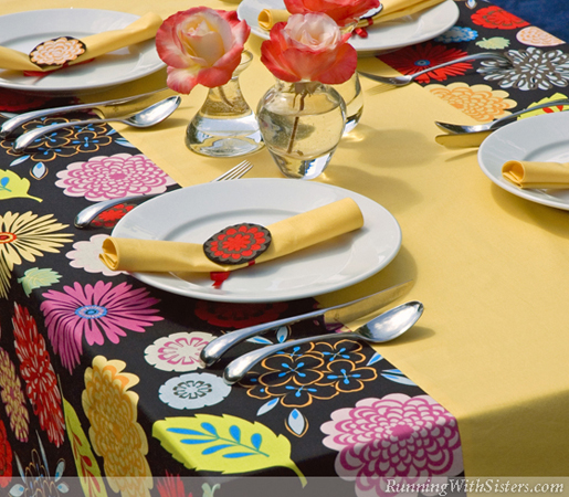 built-in table runner table cloth