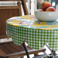 round scalloped tablecloth