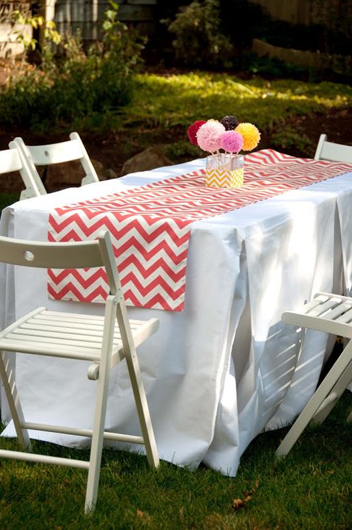 http://weallsew.com/wp-content/uploads/sites/4/2014/07/23-Mitered-Table-runner-DSC_6243.jpg