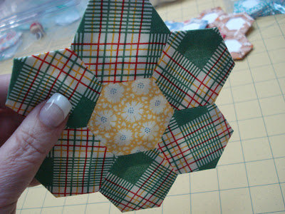 How to sew a paper pieced hexagon
