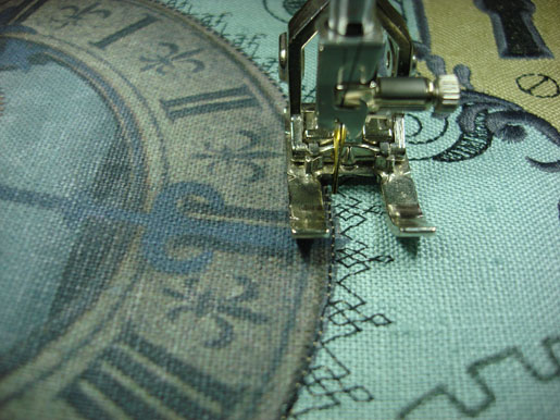 SteamPunkPillow-DecorativeStitches-Foot20