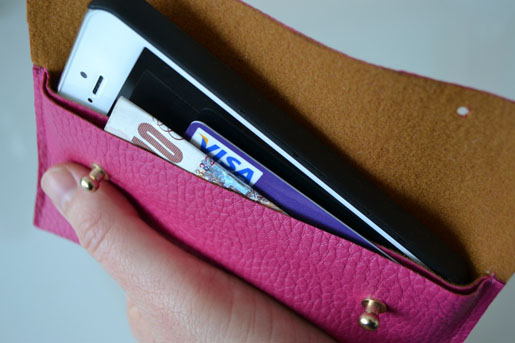 DIY-faux-leather-phone-case