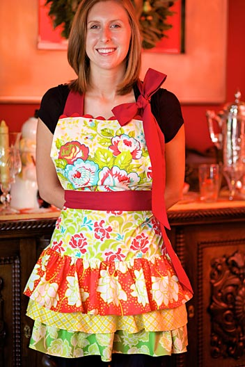 DIY Holiday Hostess Apron