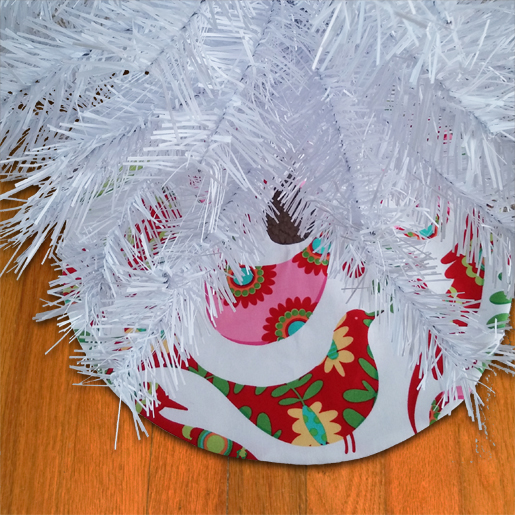 DIY Mini Holiday Tree Skirt