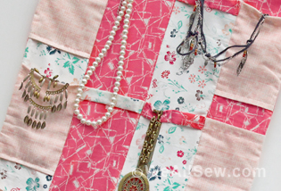 DIY Roll-Up Travel Jewelry Case - Free Tutorial