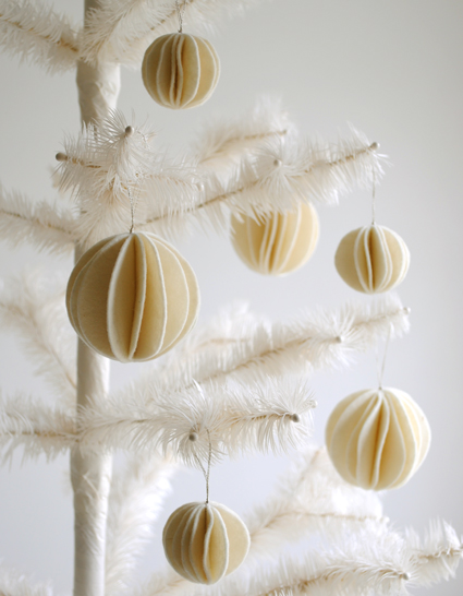 DIY felt snowball ornaments