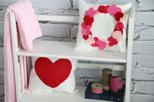 Heart Wreath Pillow