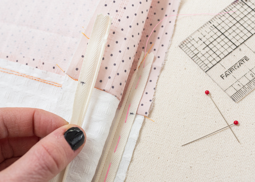 zipper_tutorial: Pin the zipper tape