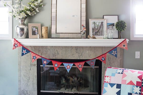 BERNINA 4th of July Bunting Tutorial Finished