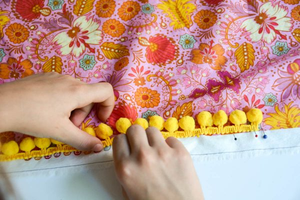 PomPom Scarf Sewing Tutorial Pinning