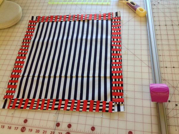 How to make a thread painted rose tile pillow