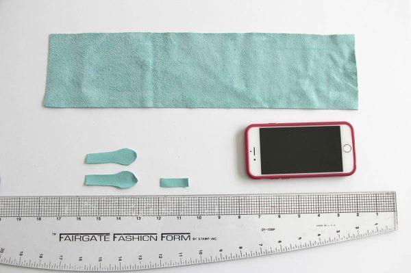 Leather iPhone Purse Tutorial - Measure