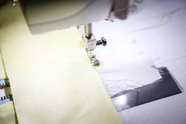 bernina-exposed-zipper-11