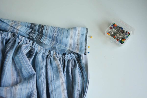 Midi Skirt Tutorial - pin the waistband