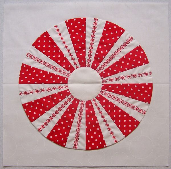 Peppermint Candy patchwork pillow tutorial