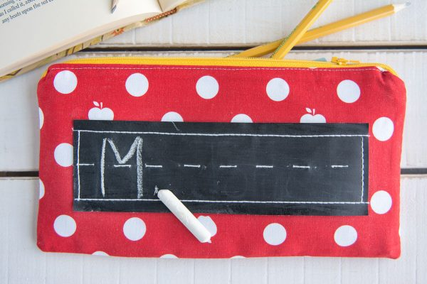 Sewing Tutorial for a zippered pouch with a chalk board on the front... so cute for back to school or for a teacher appreciation gift