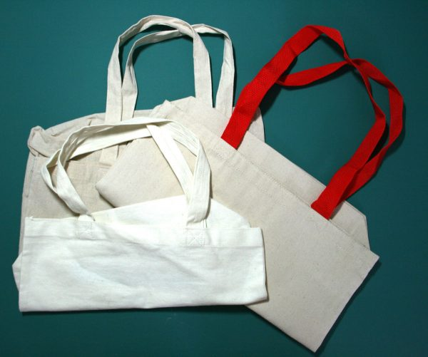 Recycle old canvas bags into made-over market bags
