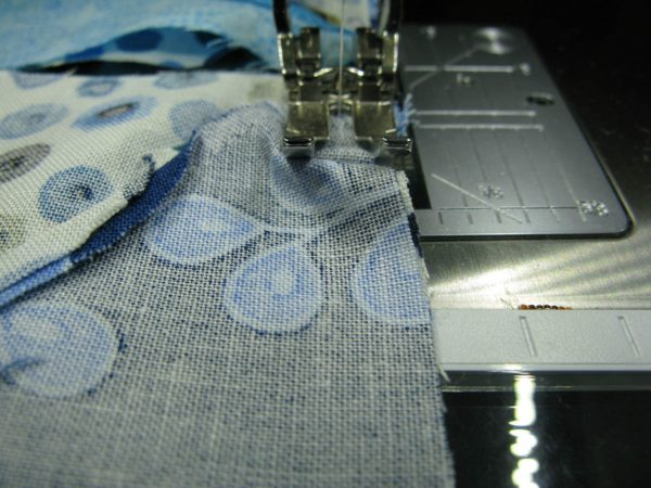 Tips and Tricks by Leni Wiener - How to avoid puckering fabric