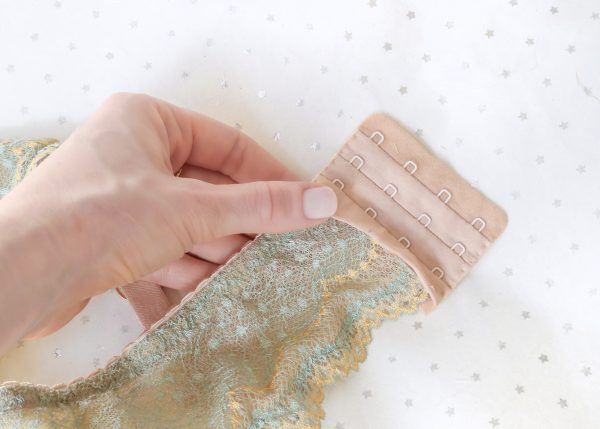 hook-and-eye-sewing-tutorial-2