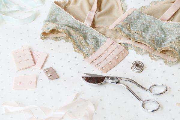 hook-and-eye-sewing-tutorial-3