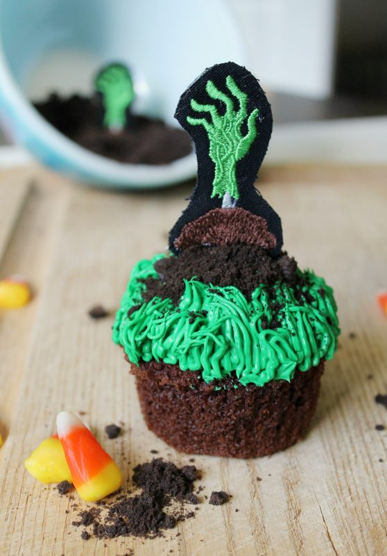 Zombiehand_Cupcake