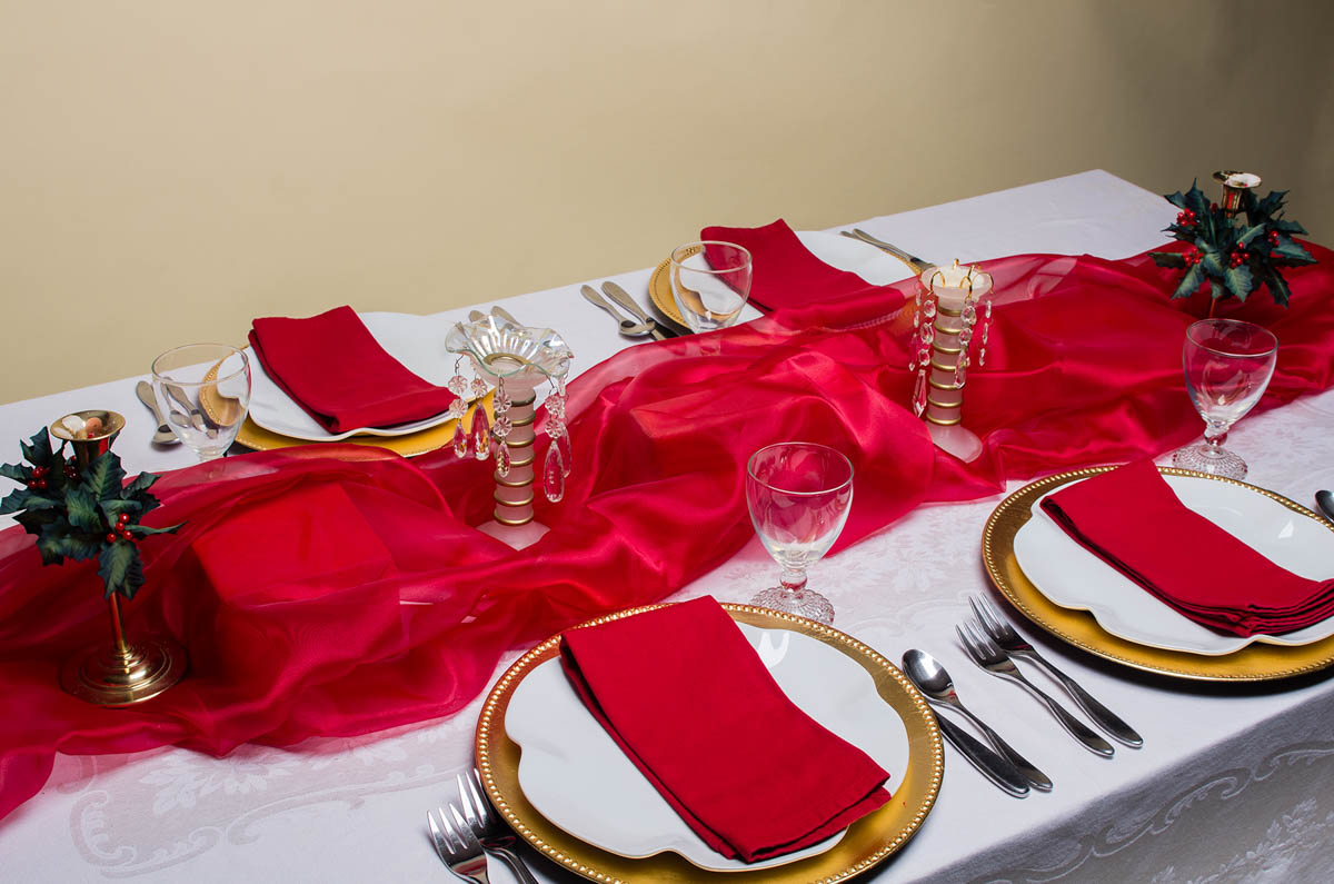 Groovy Decorate Your Christmas Table A Feast For The Eyes Weallsew Download Free Architecture Designs Grimeyleaguecom