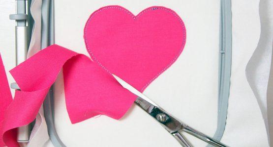 http://weallsew.com/wp-content/uploads/sites/4/2016/01/1100-x-600-Embroidered-Heart-Pin-555x300.jpg