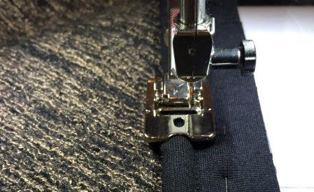 How to use piping in a garment