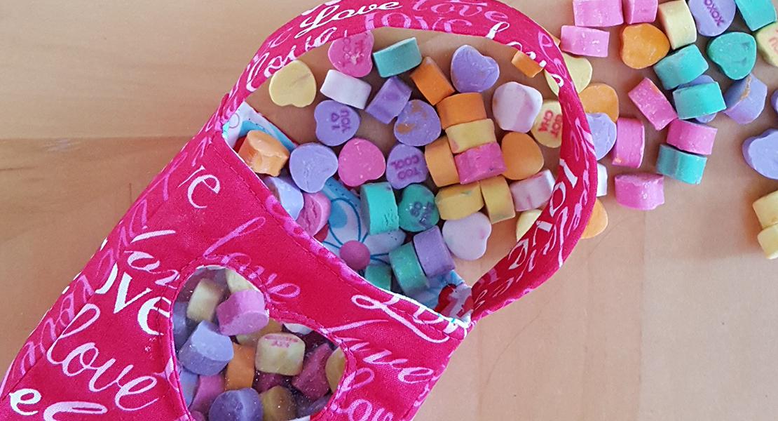 Valentine Treat Bag Weallsew