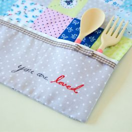 snack mat tutorial from WeAllSew