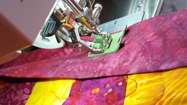 BERNINA Zigzag foot #52D for binding work