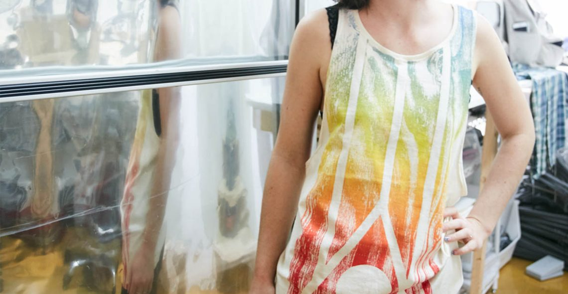Recycle your t-shirt into a tank top