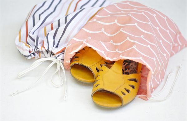 DIY 10-minute shoe bags finished