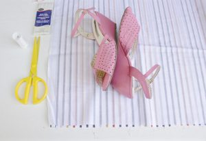 DIY 10-minute shoe bags step one: fold and cut