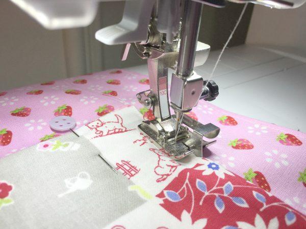Farm Fresh Apron: Sewing on pockets