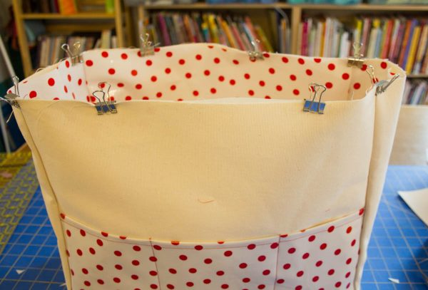 Oilcloth-lined Garden Tote Tutorial - keep the layers from shifting