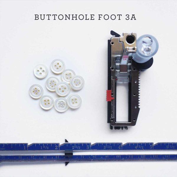 16SewDIY-HowToSewButtonDown-Tips-1200x1200-ButtonholeFoot